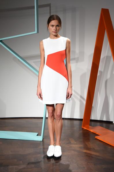 ZIMBIO Rejina+Pyo+Presentation+London+Fashion+Week+KWpwf5VI-gll