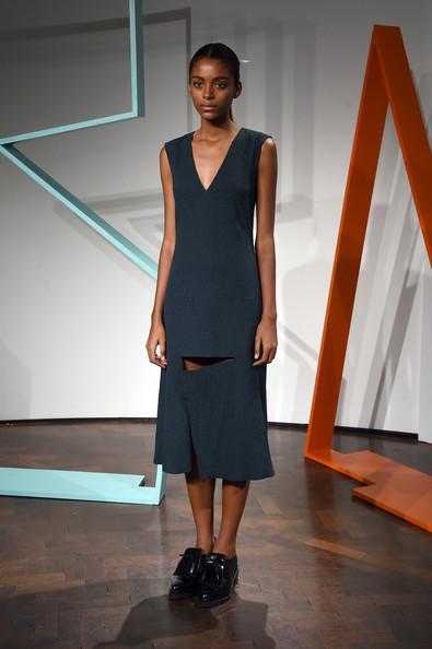 ZIMBIO Rejina+Pyo+Presentation+London+Fashion+Week+nk500TBHsHIl