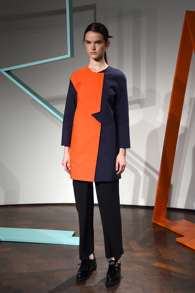 ZIMBIO Rejina+Pyo+Presentation+London+Fashion+Week+oM0563HO7PLl