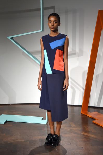 ZIMBIO Rejina+Pyo+Presentation+London+Fashion+Week+pujC8Uy_boxl