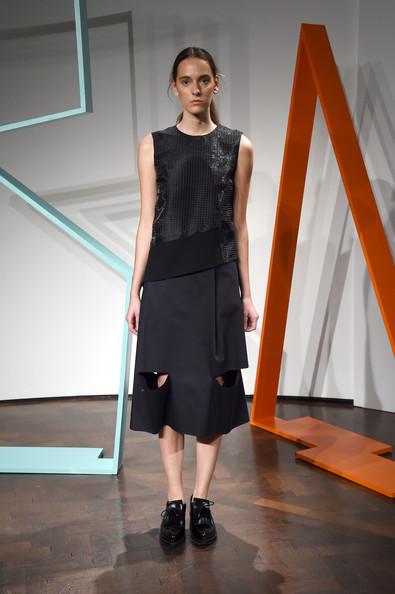 ZIMBIORejina+Pyo+Presentation+London+Fashion+Week+8xqZWLca-LHl