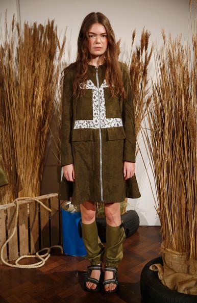 Danielle+Romeril+Presentation+London+Fashion+6oQTjASb1U-l