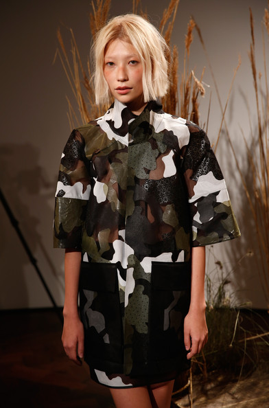 Danielle+Romeril+Presentation+London+Fashion+iXYWrzaLTAIl