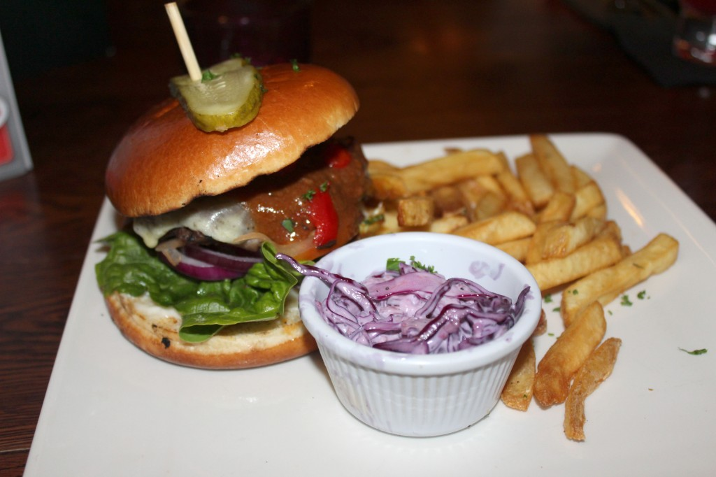 Chiquito Burger, Restaurant Review, Chiquita Review, Chiiquita Restaurant Review,