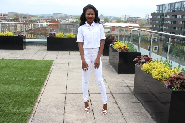 All white outfit, Petite Girls, Miss Selfridge White  Crop Top, Miss selfridge Truser 4S, Topshop Necklace, Black girl smiling, Petite blogger, London, White Sandal Heels, Primark,