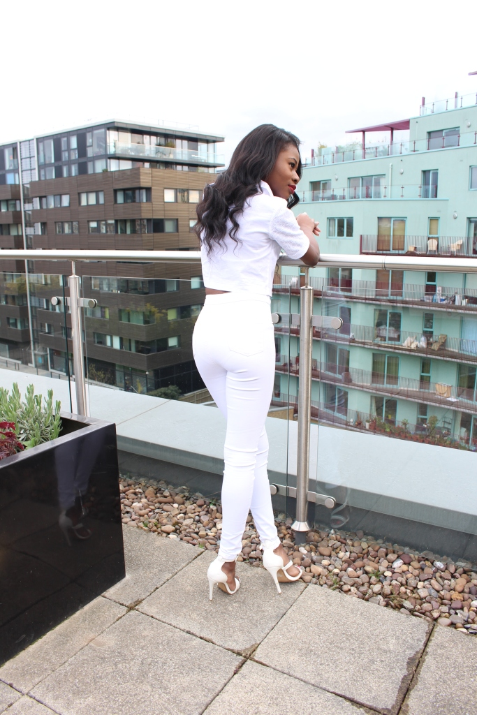 All white outfit, Petite Girls, Miss Selfridge White  Crop Top, Miss selfridge Truser 4S, Topshop Necklace, Black girl smiling, Petite blogger, London, White Sandal Heels, Primark