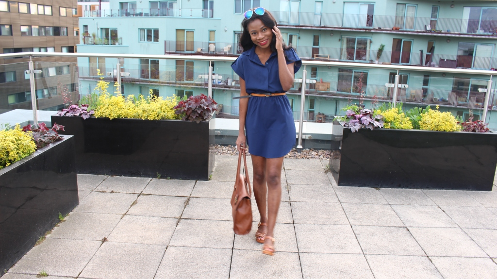 Topshop Sandal shoes, brown shoes, how to style a t-shirt dress, blue t-shirt dress, John Lewis Bag, H&M sunglasses, Sunglass for heart shaped face, black girl smiling, rooftop pictures, rooftop house, spring time trend, trends, Cosmopolitan, Vogue, Elle, stylist, style, fashion, petite style blog, minimalism,