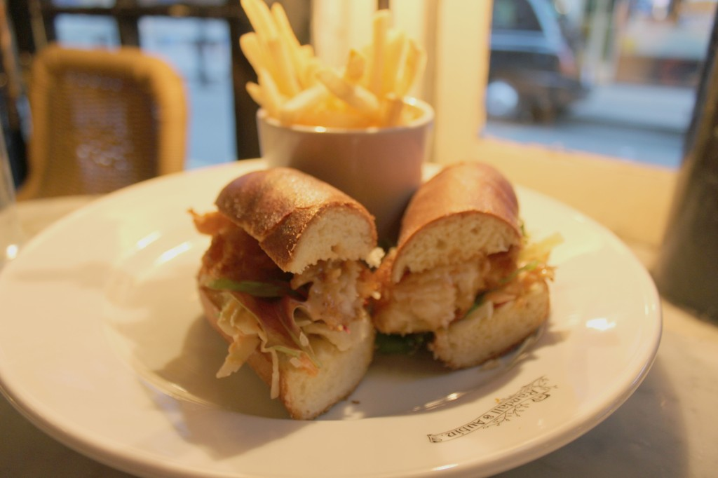 Luxury, Rich Men places in soho, where to find rich guys, yummy food, scrumptious food, Lobster Roll, Bread, Sea food, tasty saucy