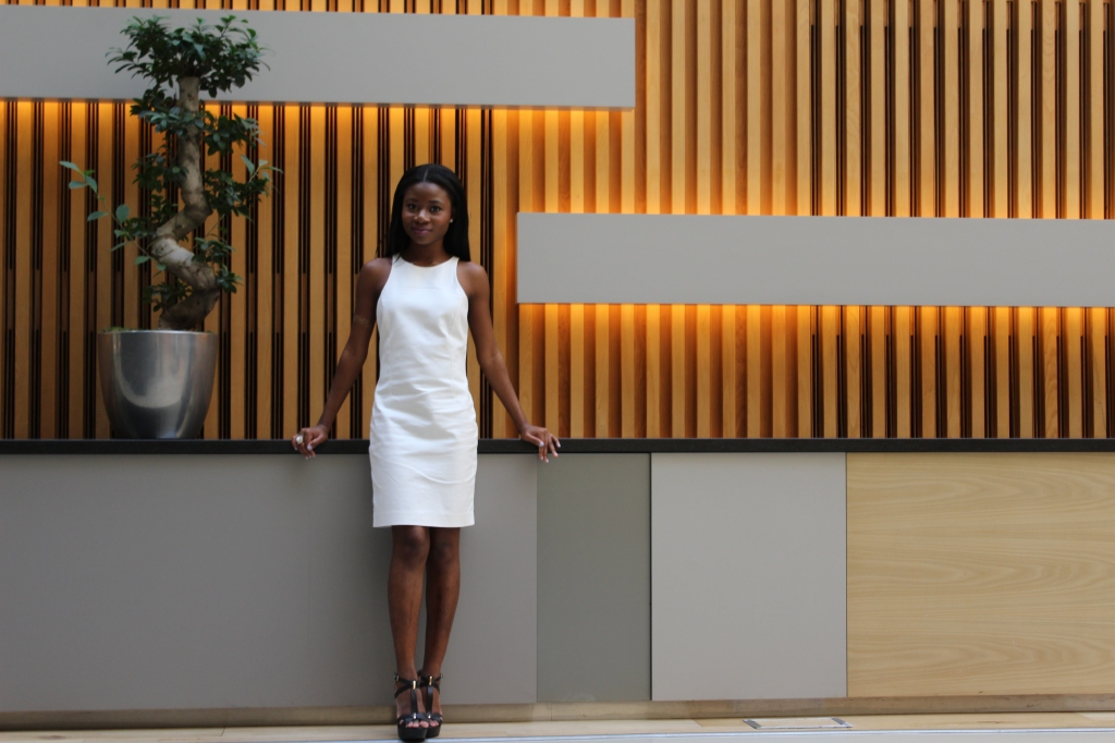 White Dress, Zara, Something Borrowed,,Andaz Hotel, Liverpool Street, Black girl, Black Blogger, Petite blogger, Chic, Pretty, Flash Tattoo, Beyonce, Kylie Jenner, 5 Star Hotel, Networking Event, Burberry, Fashion and Beauty Industry Event, V.I.P
