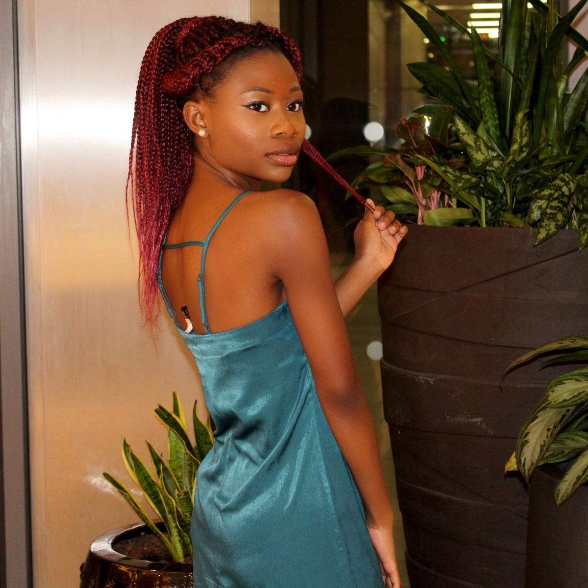 HM H&M London Winter Black Girls Who Blog Petite Bumascloset Jumascloset