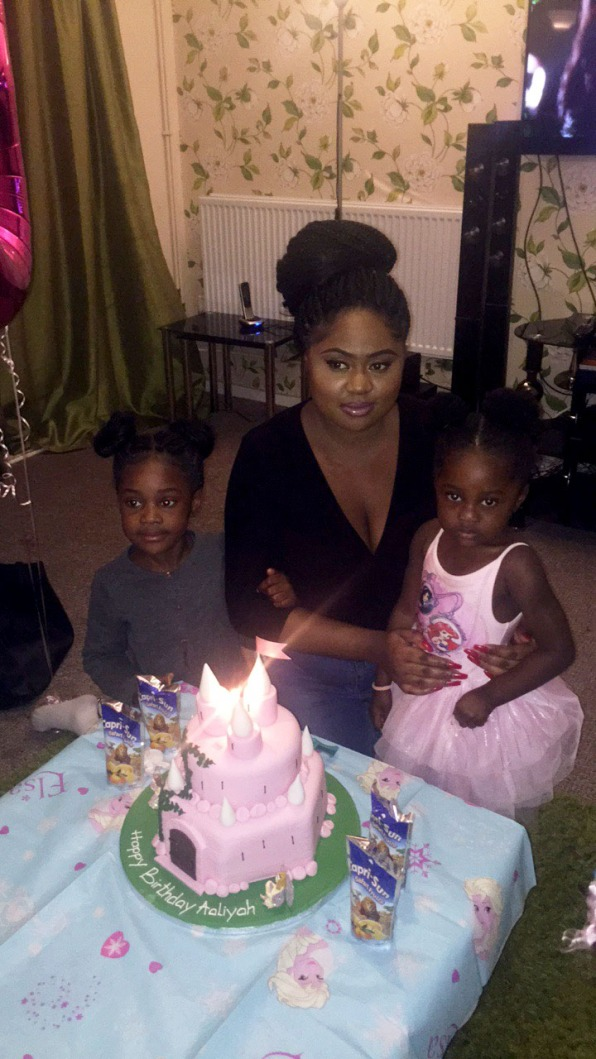 Cake, Birthday, Three Years Old, Aunty Duty, Blogger, Petite, Black, Bloggers of Colour, Nigerian Blogger, Nigeria Blogger, Celebration, Family, Friends