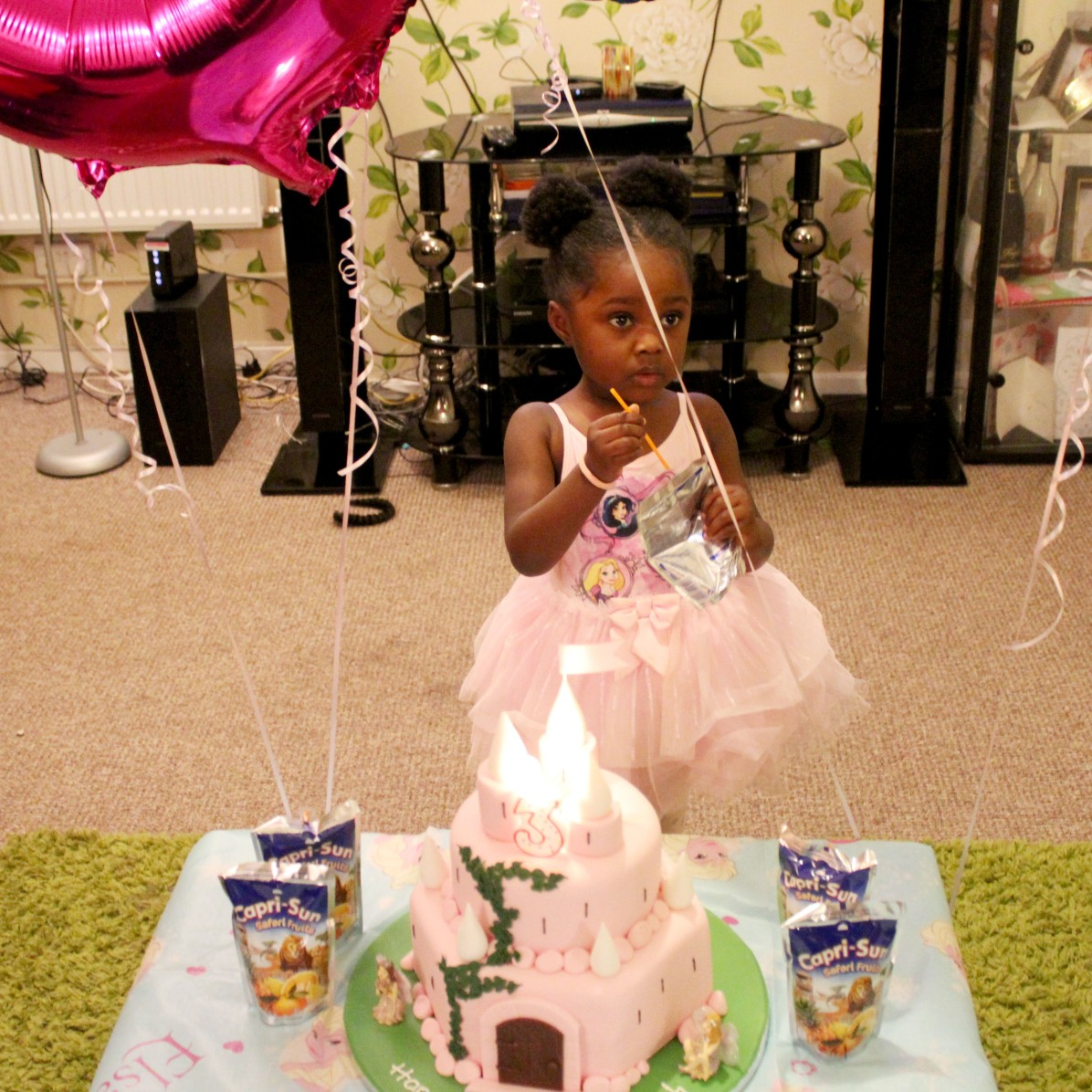 Cake, Birthday, Three Years Old, Aunty Duty, Blogger, Petite, Black, Bloggers of Colour, Nigerian Blogger, Nigeria Blogger, Celebration, Family, Friends