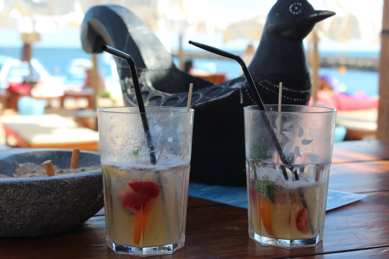 5 Star, Praia Da Rocha, Sun Loungers, Sea View, Oyster Bar, Sea View, Portimao Restaurants, Algarve, Portugal, Things to do, Luxury Beach Restaurant, Travel, Sangria at Portimao, Private Beach, club restaurant,