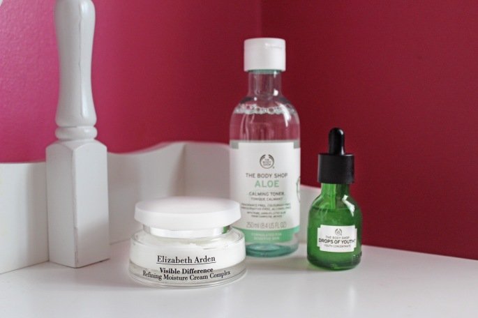 Elizabeth Arden Visible Difference, Review, Skincare routine, Detox, New Years, Combination skin products, Hydration Cream, Face cream, Luxury Beauty Products, drops of youth, elizabeth arden, risible differences, calming toner, best serum 2018,